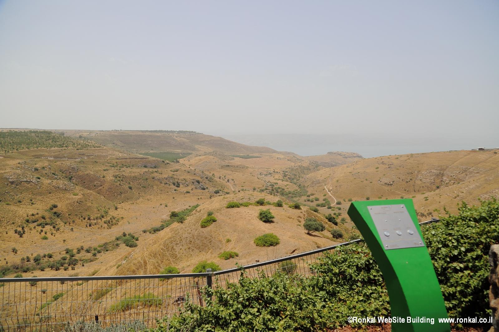 תחנה 4 מצפה אפיק (פיק) בקיבוץ אפיק – ומרפסת הר-נבו
