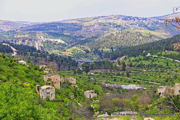 בתים נטושים בכפר ליפתא ירושלים